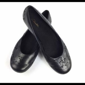 Clark's black leather ballet flats